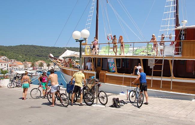 Lodní deník: Visská cyklo jógaplavba
