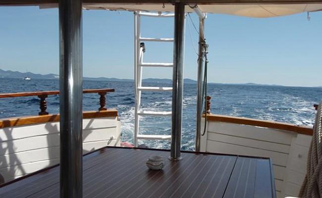 Loď Sčedro